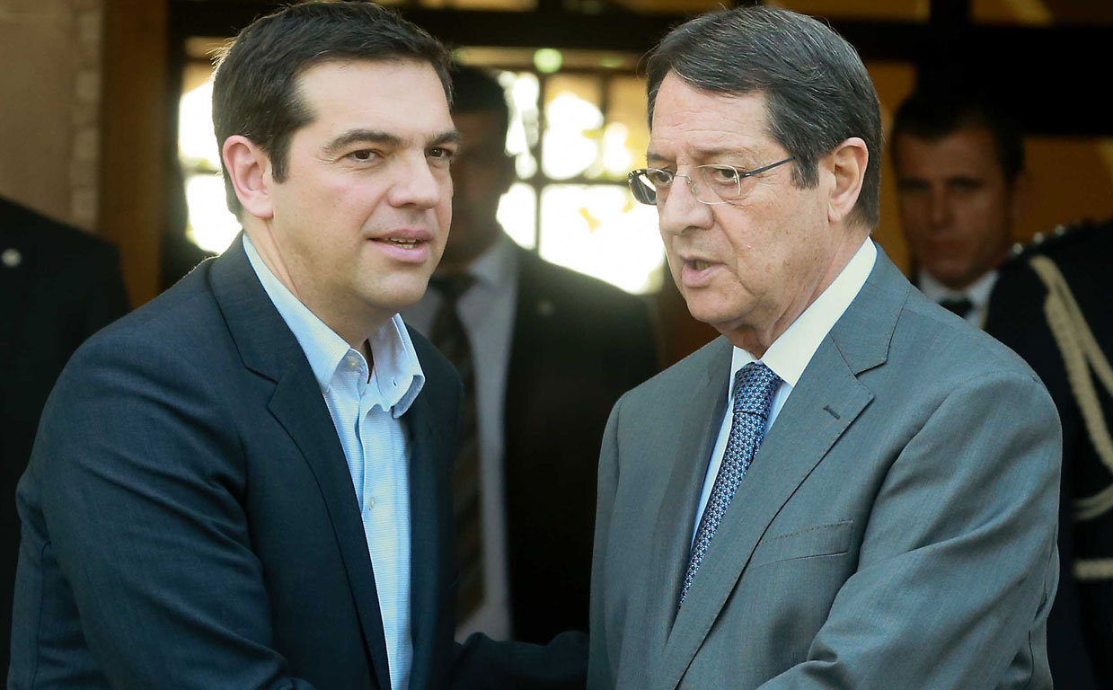 Anastasiades meets Monday with Tsipras in Athens