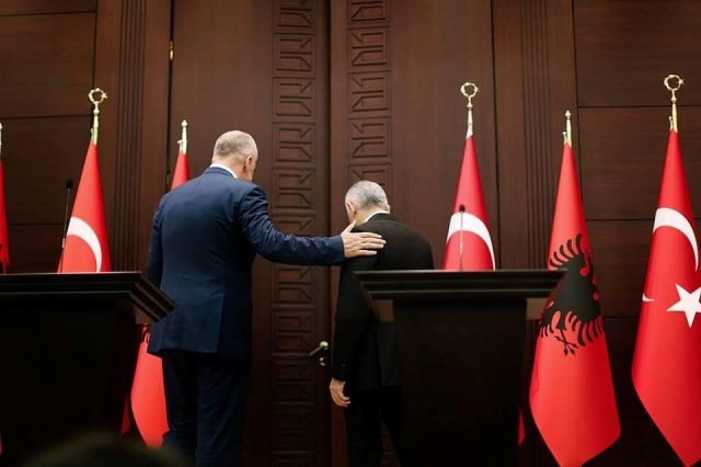 The visit of the Albanian PM in Turkey