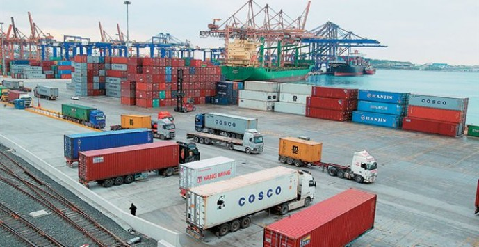 COSCO says Greek government has changed content of OLP deal