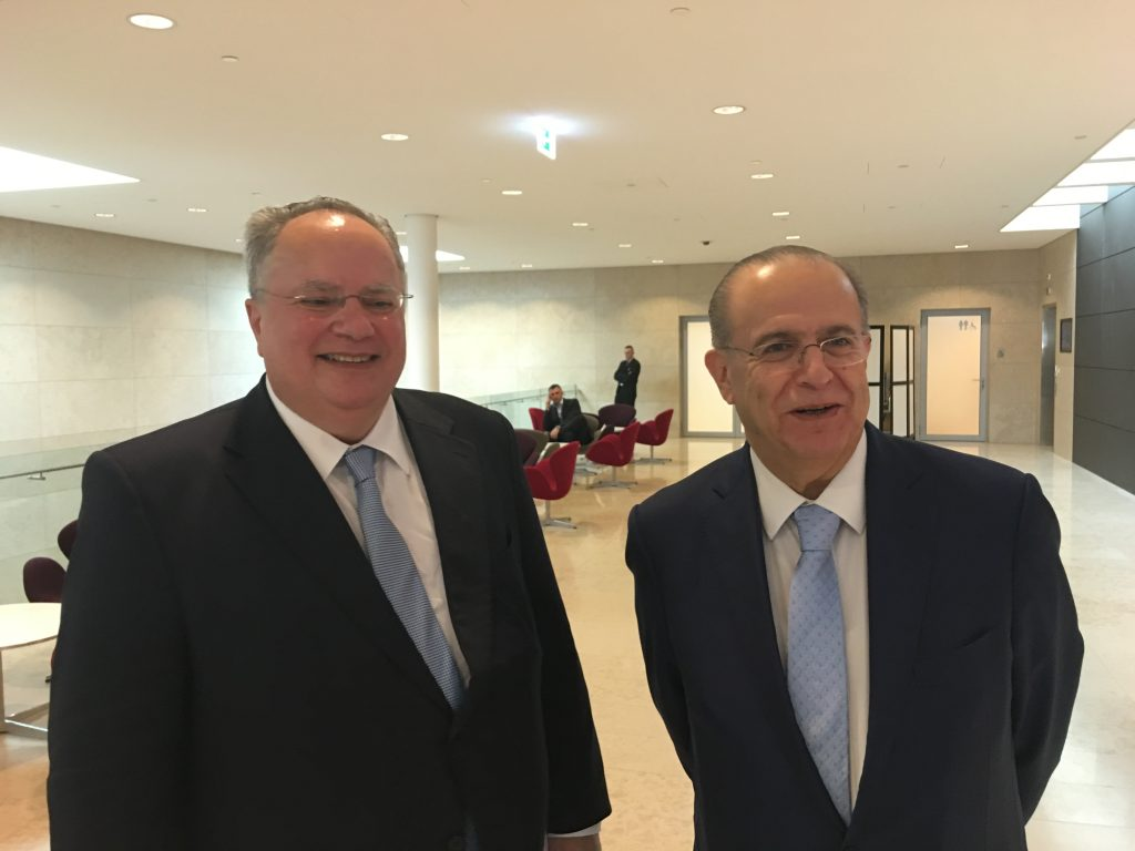 Kotzias: Deficit of democratic culture of dialogue and compromises the problem of FYROM