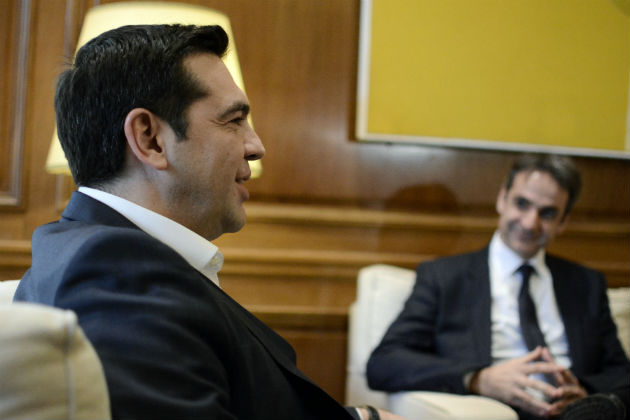 Forthcoming Tsipras – Mitsotakis meeting raises the political thermometer