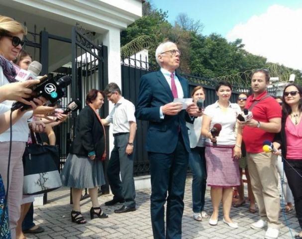 German envoy: Three conditions for parties in FYROM