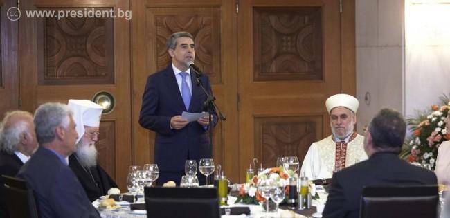 Bulgarian President hosts Iftar dinner at start of Ramadan