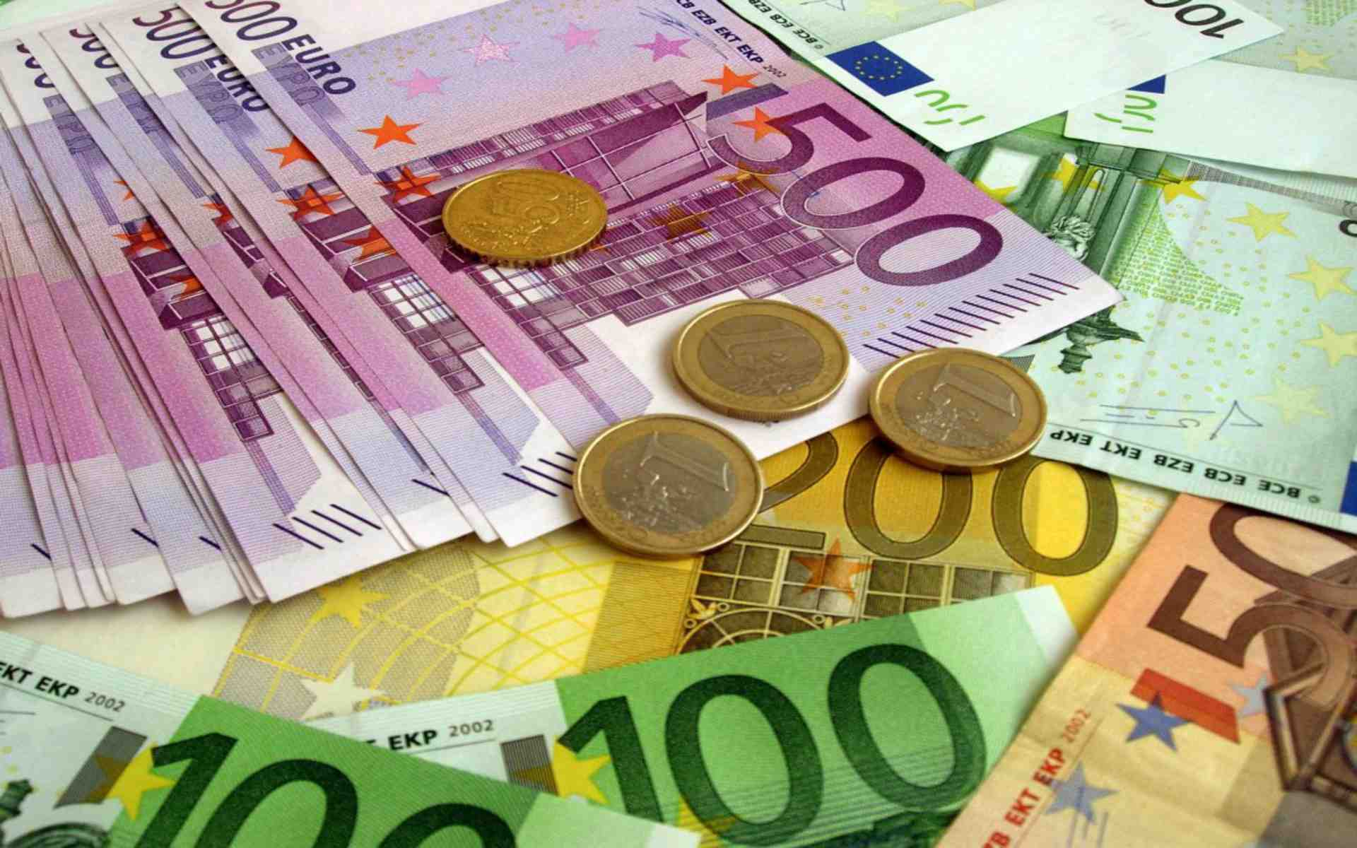 Albania's external debt increases, the government is responsible for most of it
