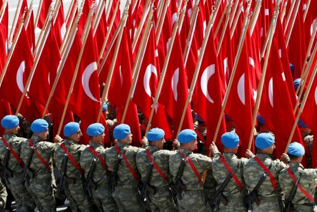 Erdogan tears down the Armed Forces to root out Gulen's supporters