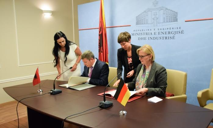Germany offers a 30 million euro loan to build the 400 kV transmission line between Albania and FYROM