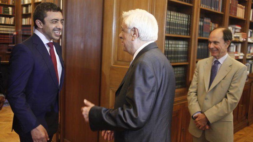 Pavlopoulos calls on UAE to invest in Greece