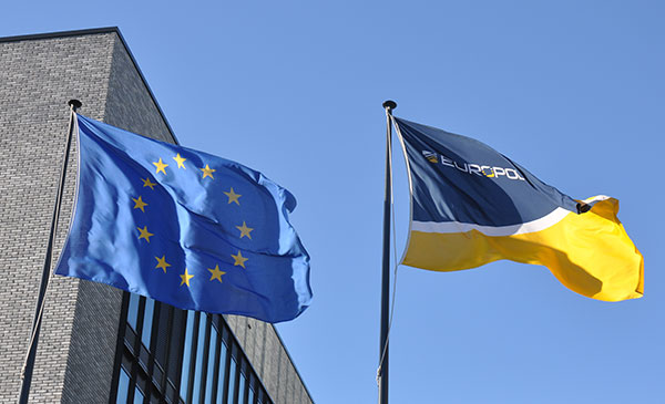 EU: They are sending Europol officers, but they forget to send personnel for asylum