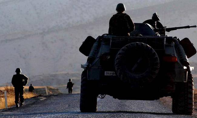 Hours-long heavy clashes with PKK militants leave one soldier dead in eastern Turkey
