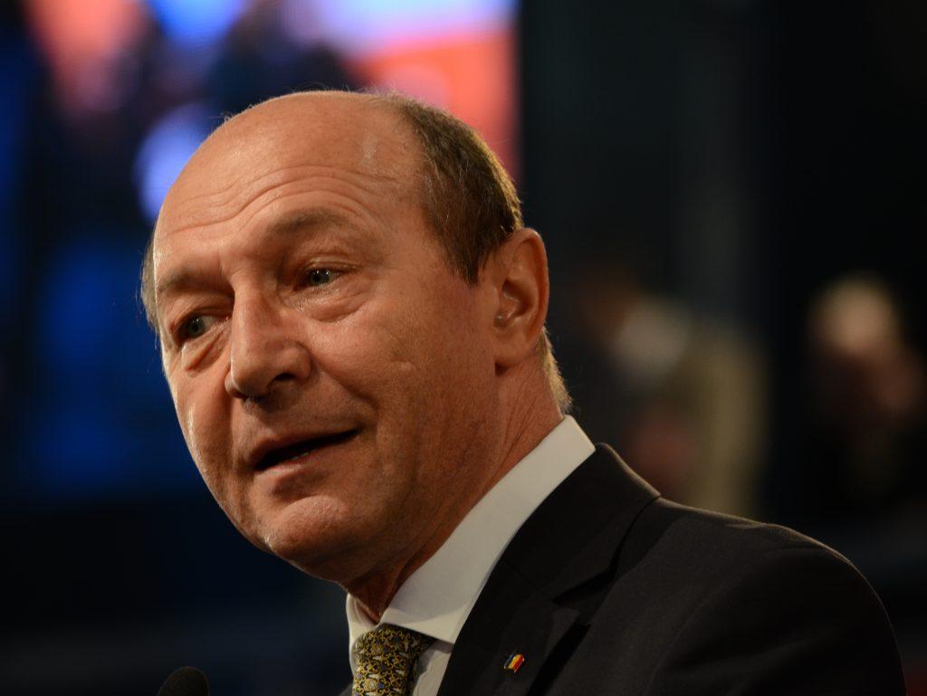 Basescu: Romania may block Serbia's EU membership