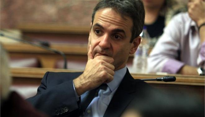 Mitsotakis: Stuck in intraparty opposition