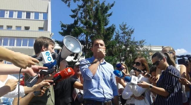 Opposition in Kosovo starts its protests against the demarcation agreement