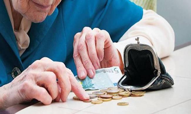 Greeks struggling to make ends meet