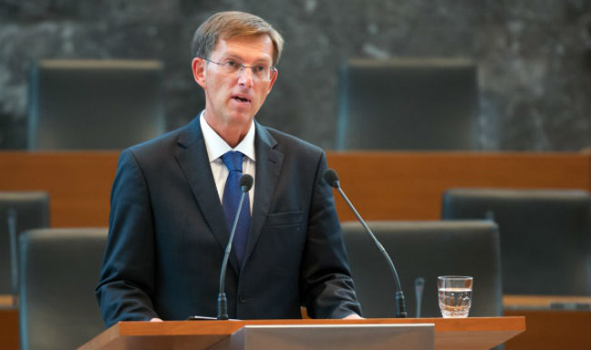 Cerar argues mini tax reform to improve competitiveness