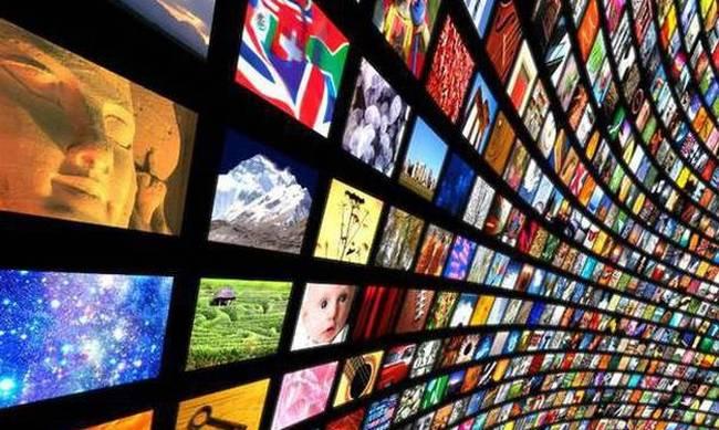 TV licensing affair rocks Greek government