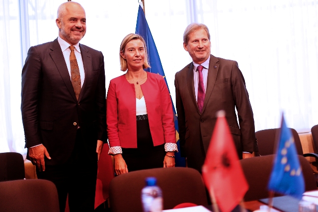 The EU demands Albania to start the reformation of the justice system