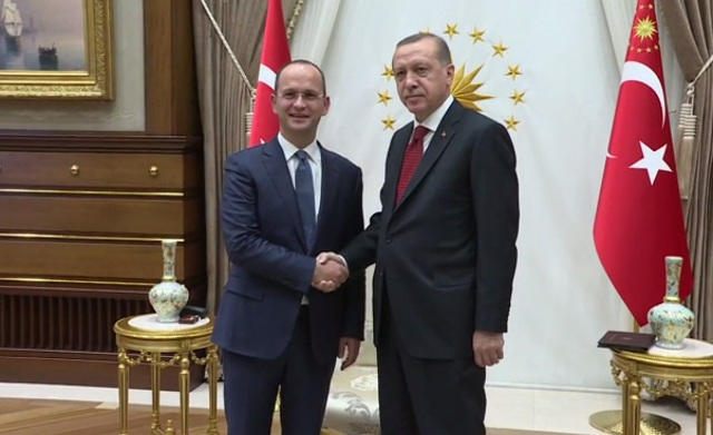 Albanian Foreign Minister meets Erdogan and offers support against FETO