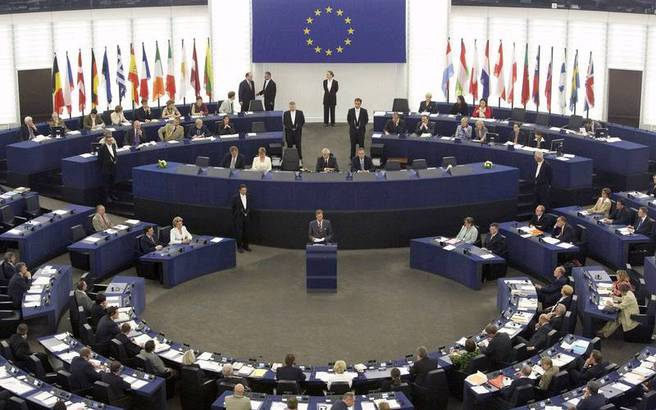 36 MEPs support Greece on debt relief