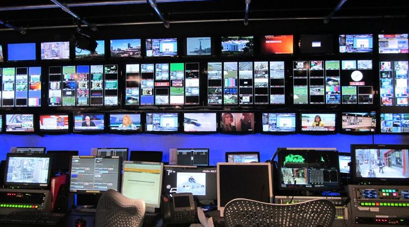 Government, New Democracy clash over TV licensing
