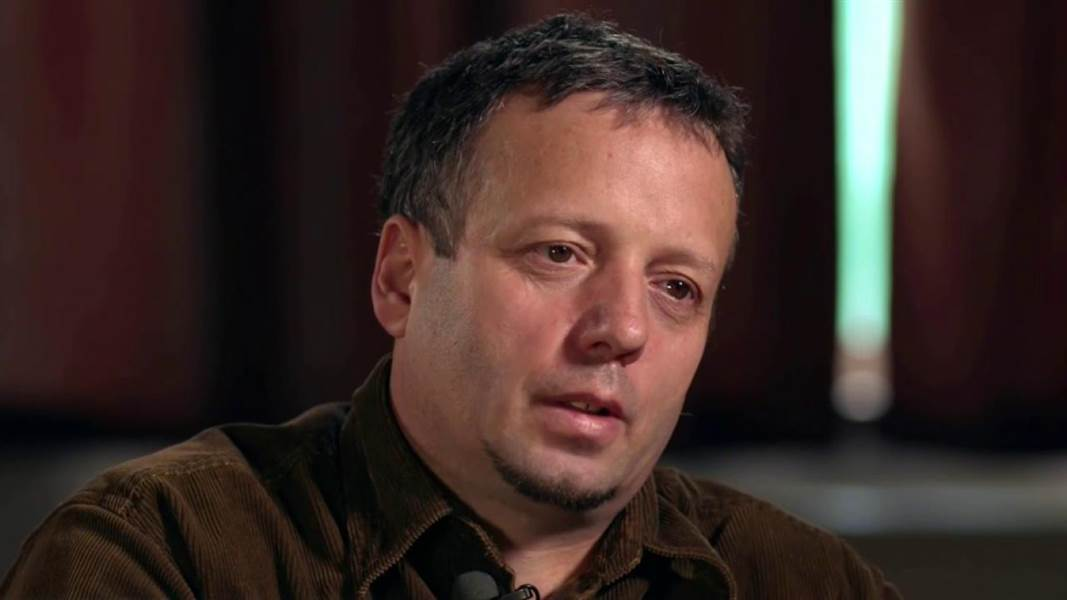 Hacker 'Guccifer' back to Romania from the US, jailed at Rahova penitentiary