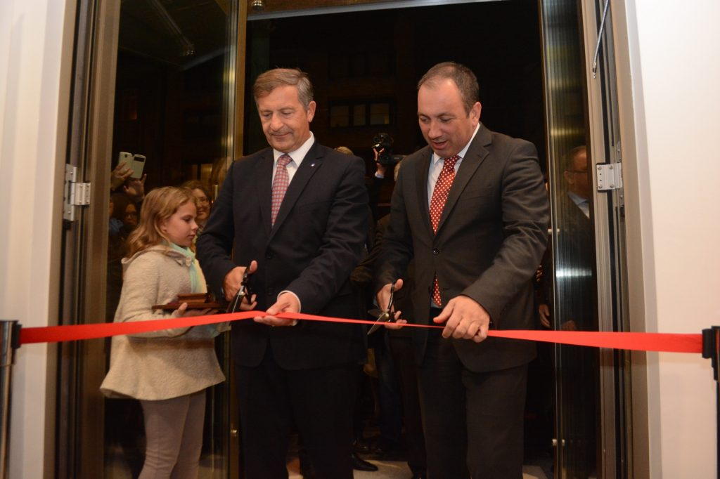Ministers Erjavec and Crnadak open new Sarajevo embassy premises