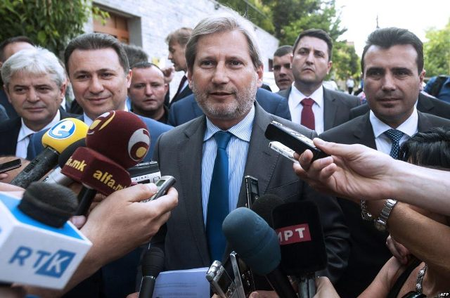 One crisis after another in FYROM, Hahn to visit Skopje on 14 October