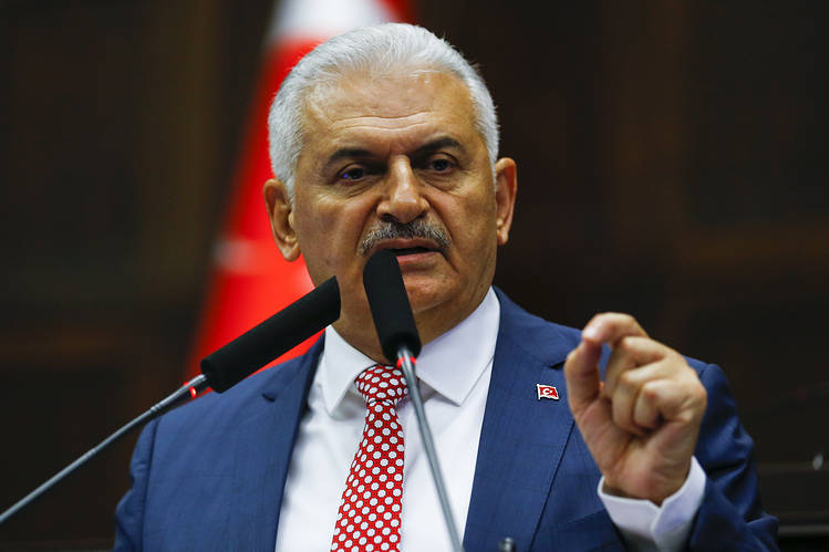 Turkish PM signals lifting of state of emergency before potential referendum