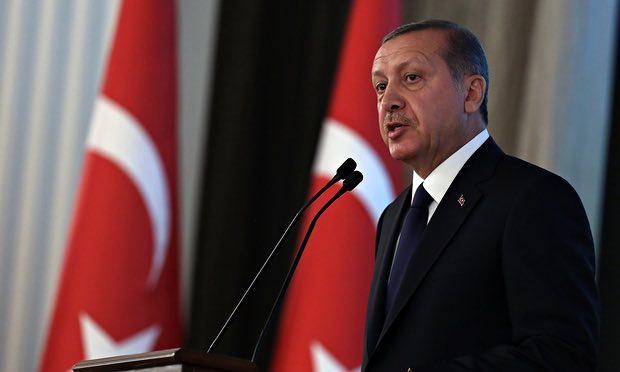 "Erdogan: ""If they threaten me I will open the borders"""