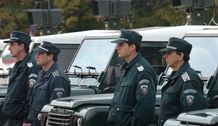 Bulgaria arrests seven Border Police at Danube Bridge over bribes