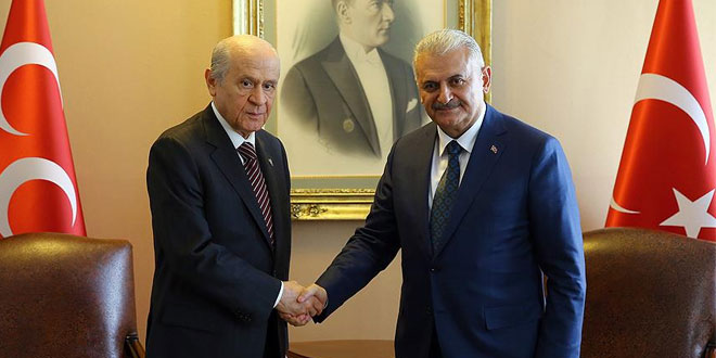 AKP begins constitution change talks with MHP, re-invites CHP