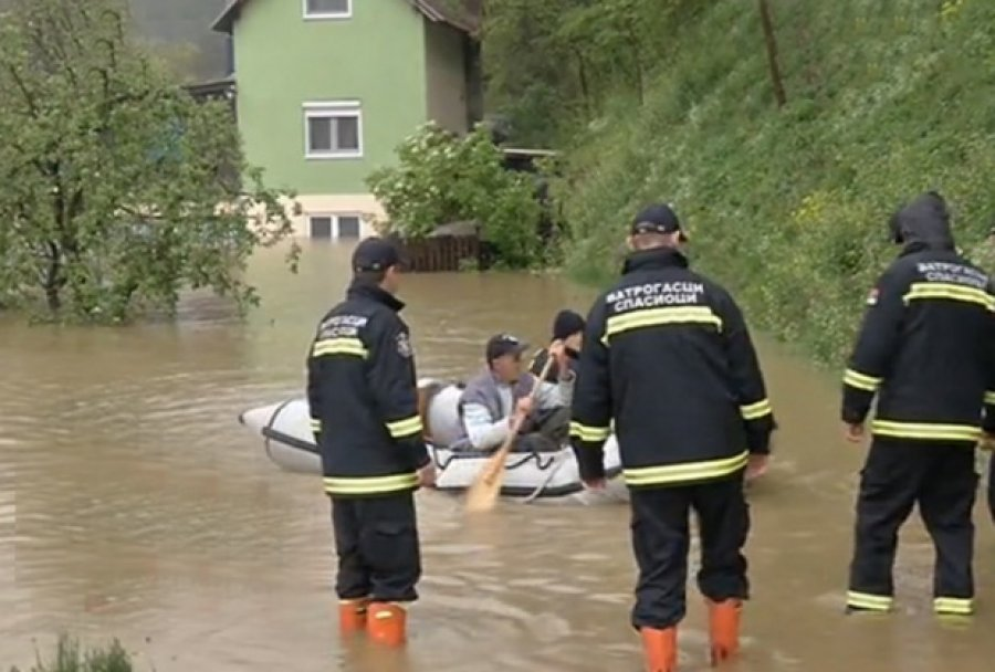 Heavy rain causes flooding in western and southern areas