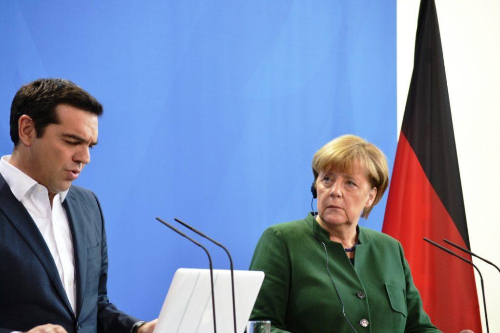 Greek government weighs options following Tsipras, Merkel talks