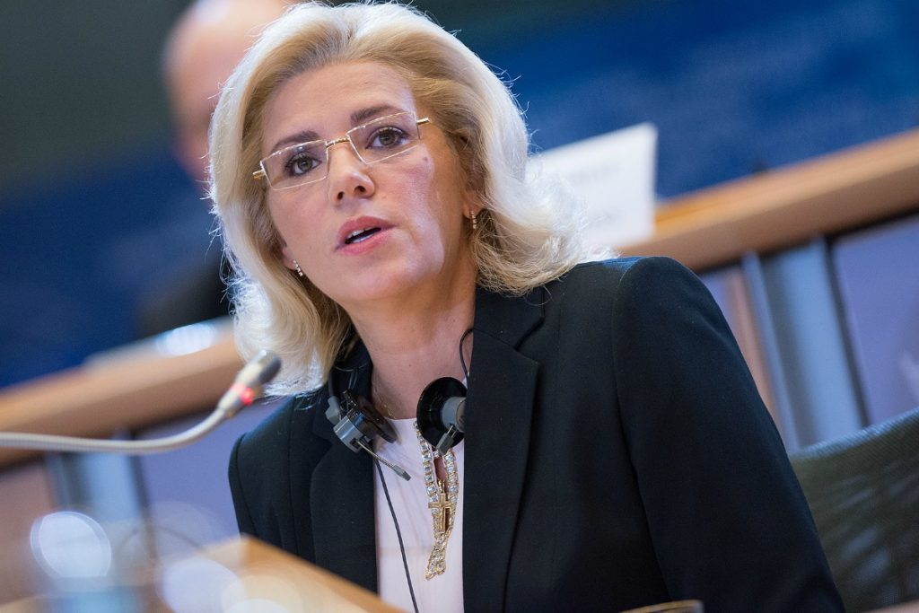 European Commissioner Corina Cretu announces 19 major projects for Romania