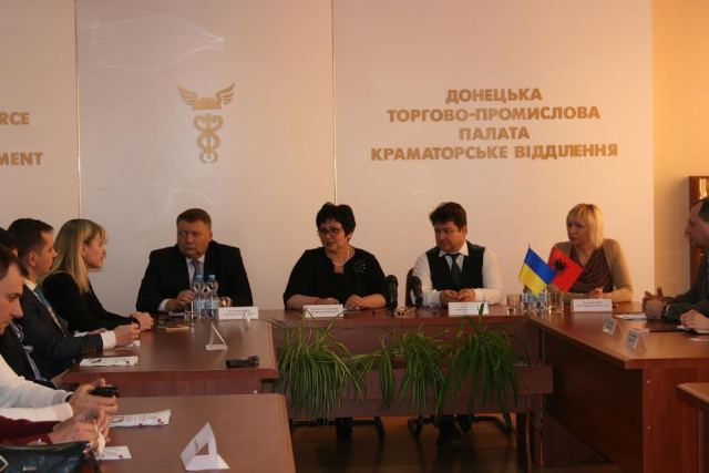 Albanians do business in war zones