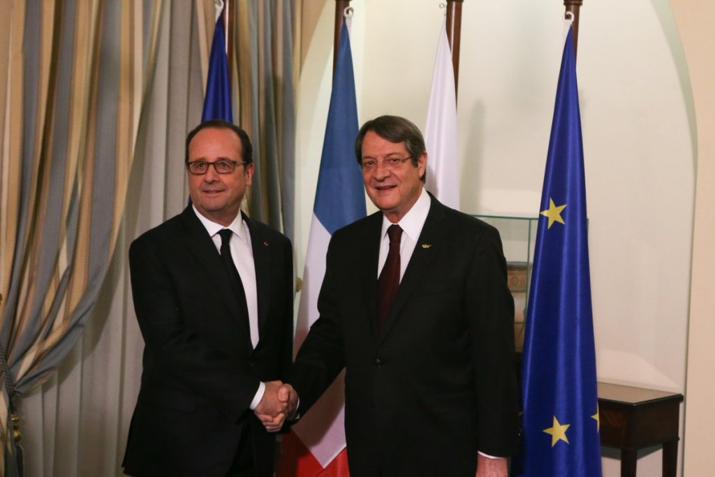 Hollande: France willing to play a useful role in the process for a Cyprus settlement as a UNSC permanent member