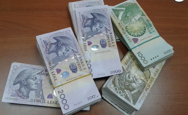 Albanians prefer to keep their savings at home and not in the bank