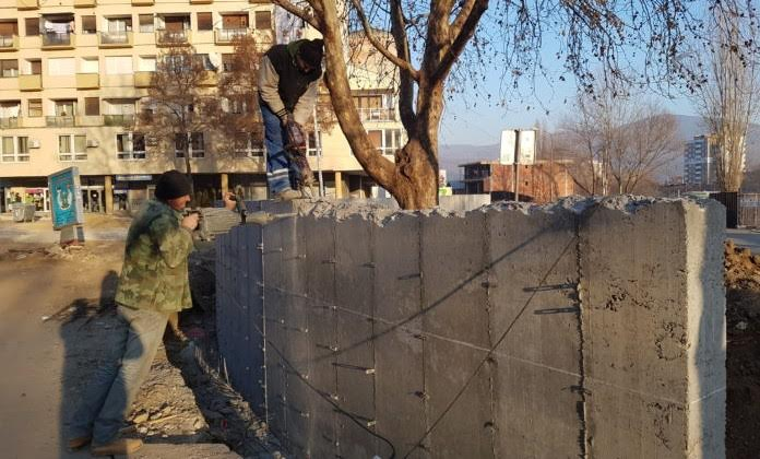 Kosovo prepares to demolish the wall in Northern Mitrovica