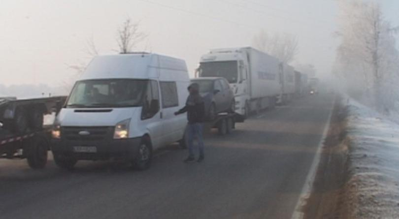 Technical glitch on Romanian side causes 15km queue of lorries at Bulgaria's Danube Bridge 2
