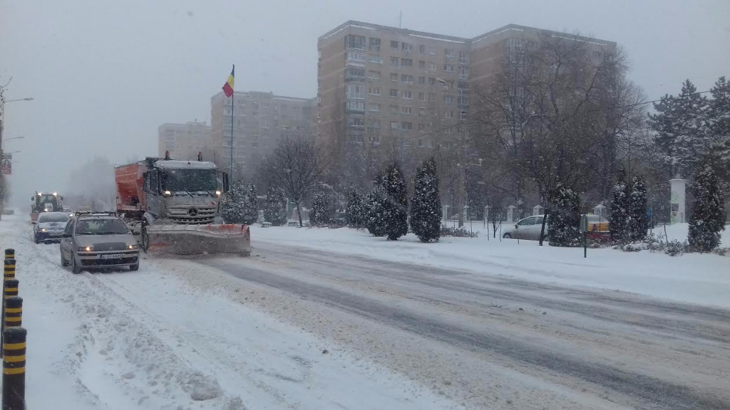 A2, A3, A4 highways, seaports closed due to snow and blizzard