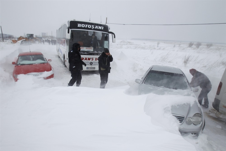 Code Red for blizzards in seven counties. Seaports closed. 60 trains cancelled. All roads closed in Constanta County, including A2 highway, power failure