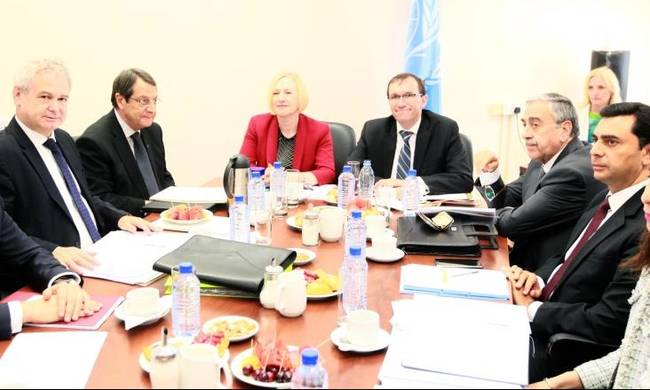 Negotiators to discuss governance and property issues and prepare leaders' meeting