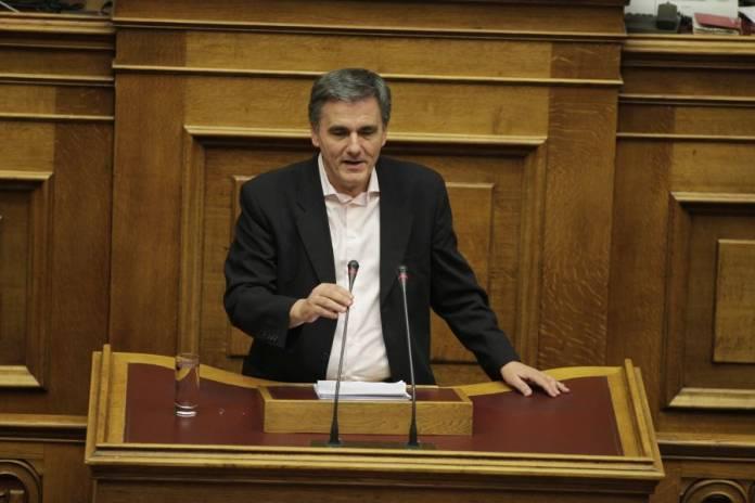 Tsakalotos defends handling of negotiations with creditors