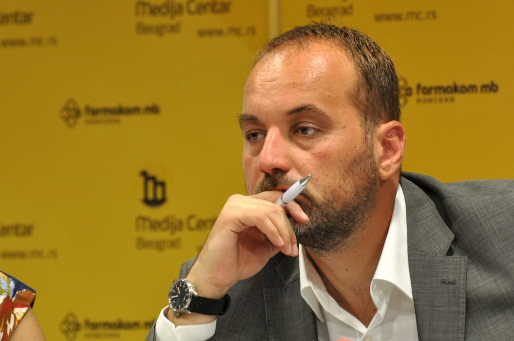 Serbian ombudsman resigns to run for president
