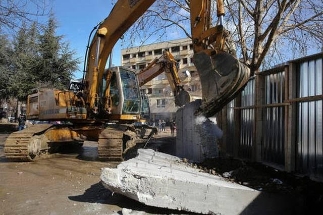 The wall in Northern Mitrovica brought down, tension between Kosovo and Serbia are reduced