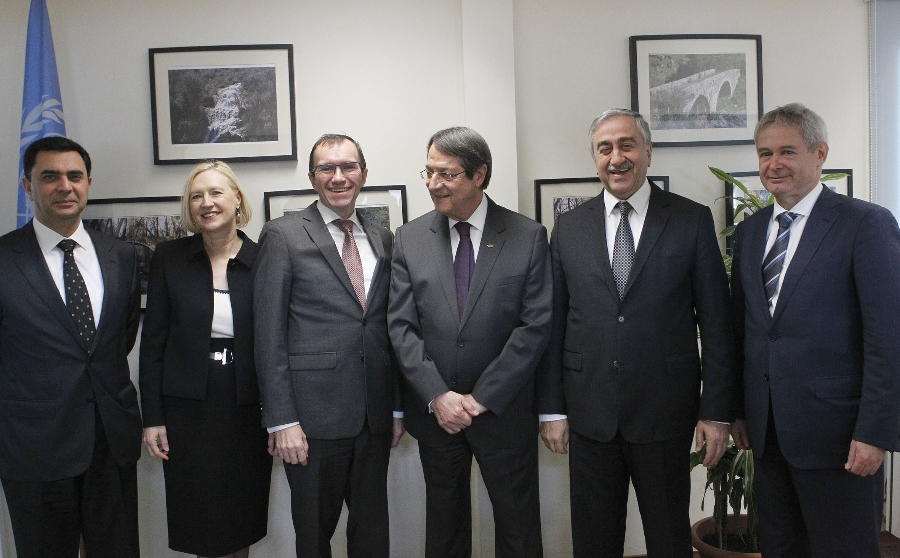 """Anastasiades appears optimistic after """"creative"""" meeting with Akinci"""
