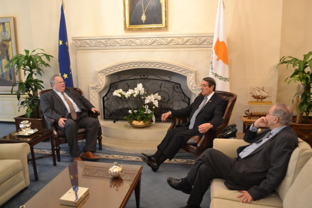 Kotzias assures of Athens' full support of Cyprus' policy on its national issue