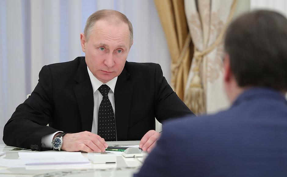 Vucic meets Putin ahead of elections