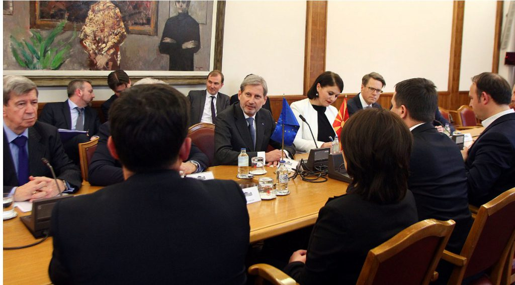 Hahn leaves Skopje: The government should be formed as soon as possible