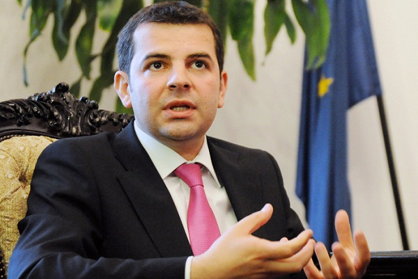 Tariceanu over ALDE row: Constantin is forcing his way out of the party