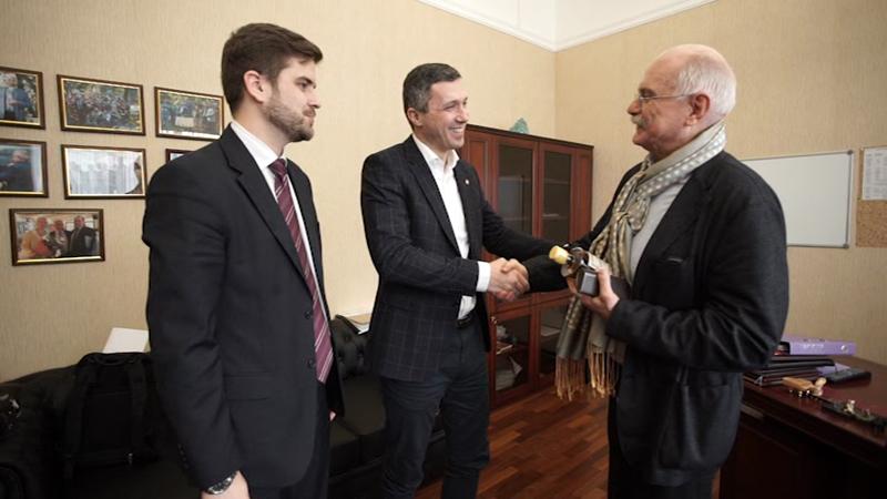 Mikhalkov, Crimea and Serbian elections